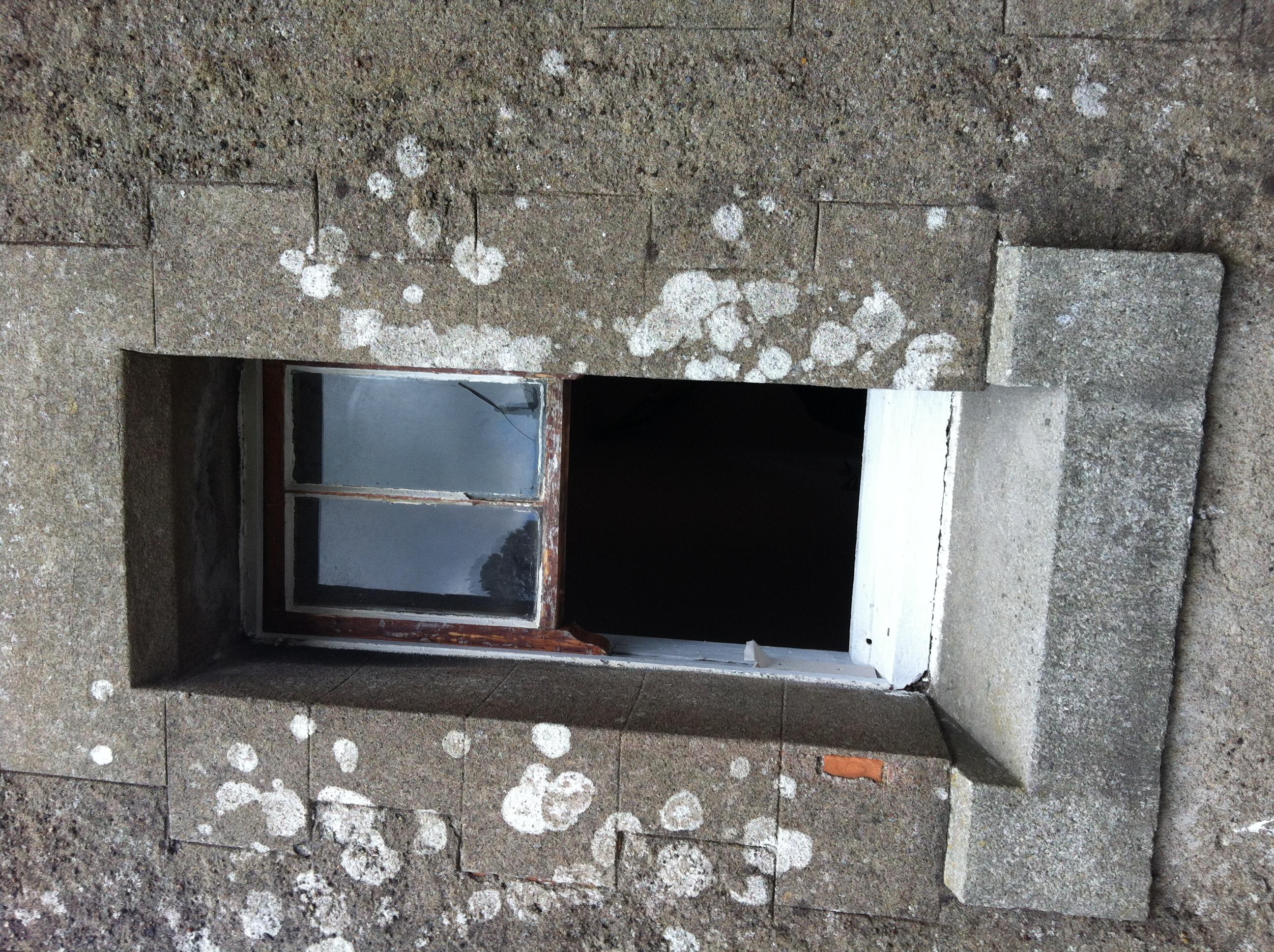 Removing sash window for restoration